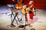 Jael Malli startete ihre Solokarriere im Auditorium im Zentrum Paul Klee.