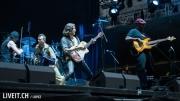 Gogol Bordello auf der Bühne am Greenfieldfestival in Interlaken.