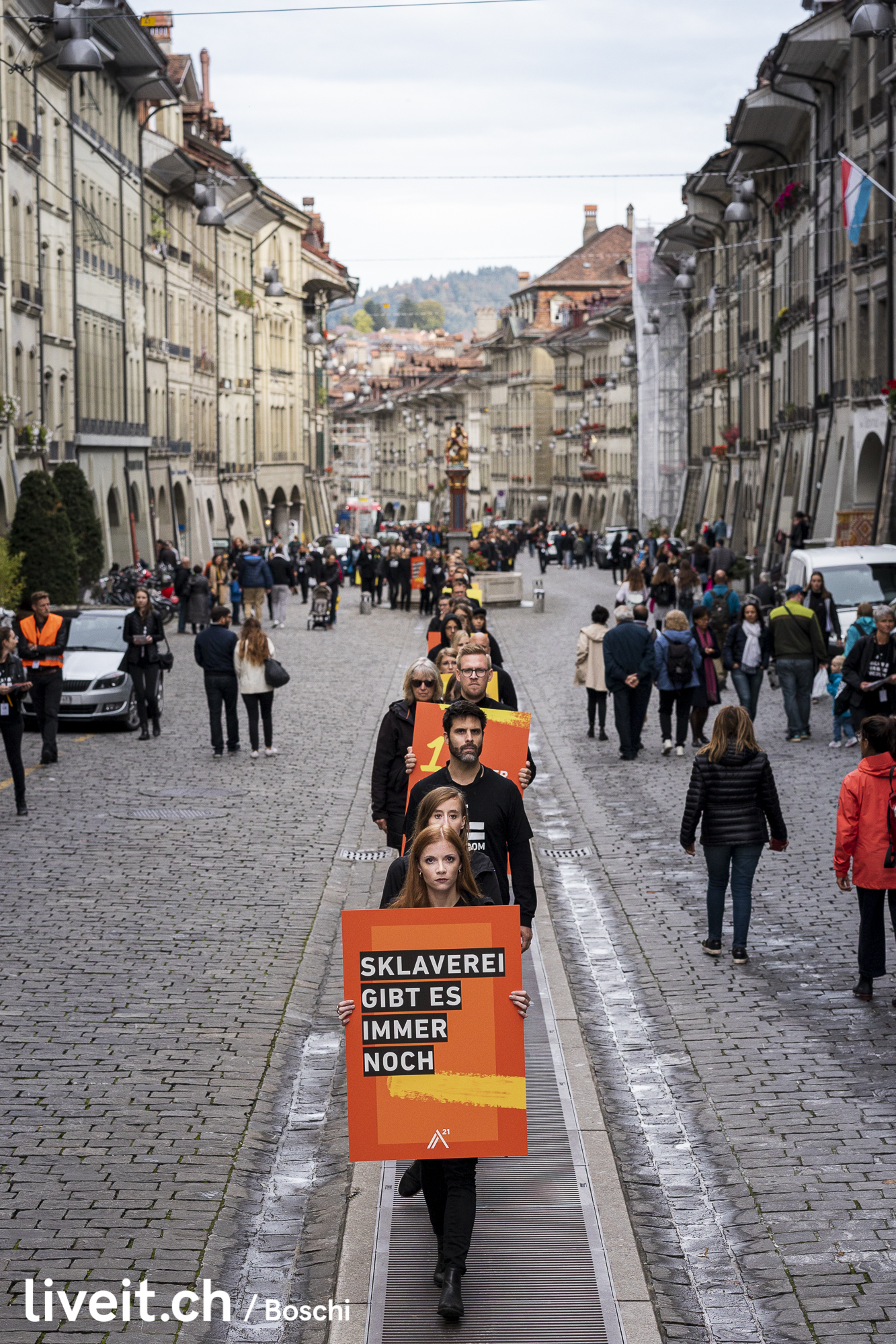 Demonstration gegen Sklaverei und Menschenhandel in Bern. Namentlich Walk for freedom (liveit.ch/boschi)