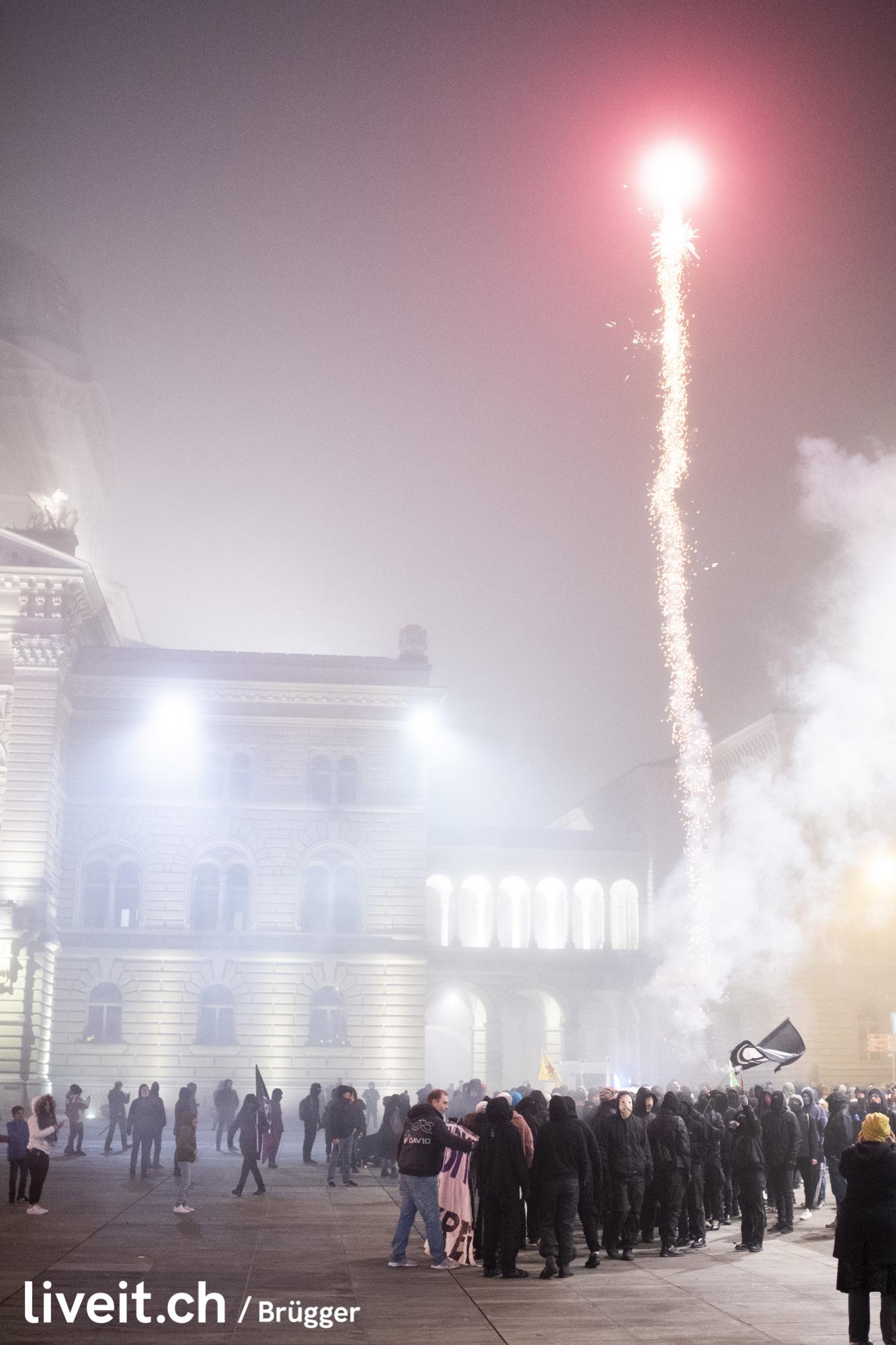 Impressionen der Silversterdemo, fotografiert am Dienstag, 31.012.2019 in der Stadt Bern. (liveit.ch/Dominic Brügger)