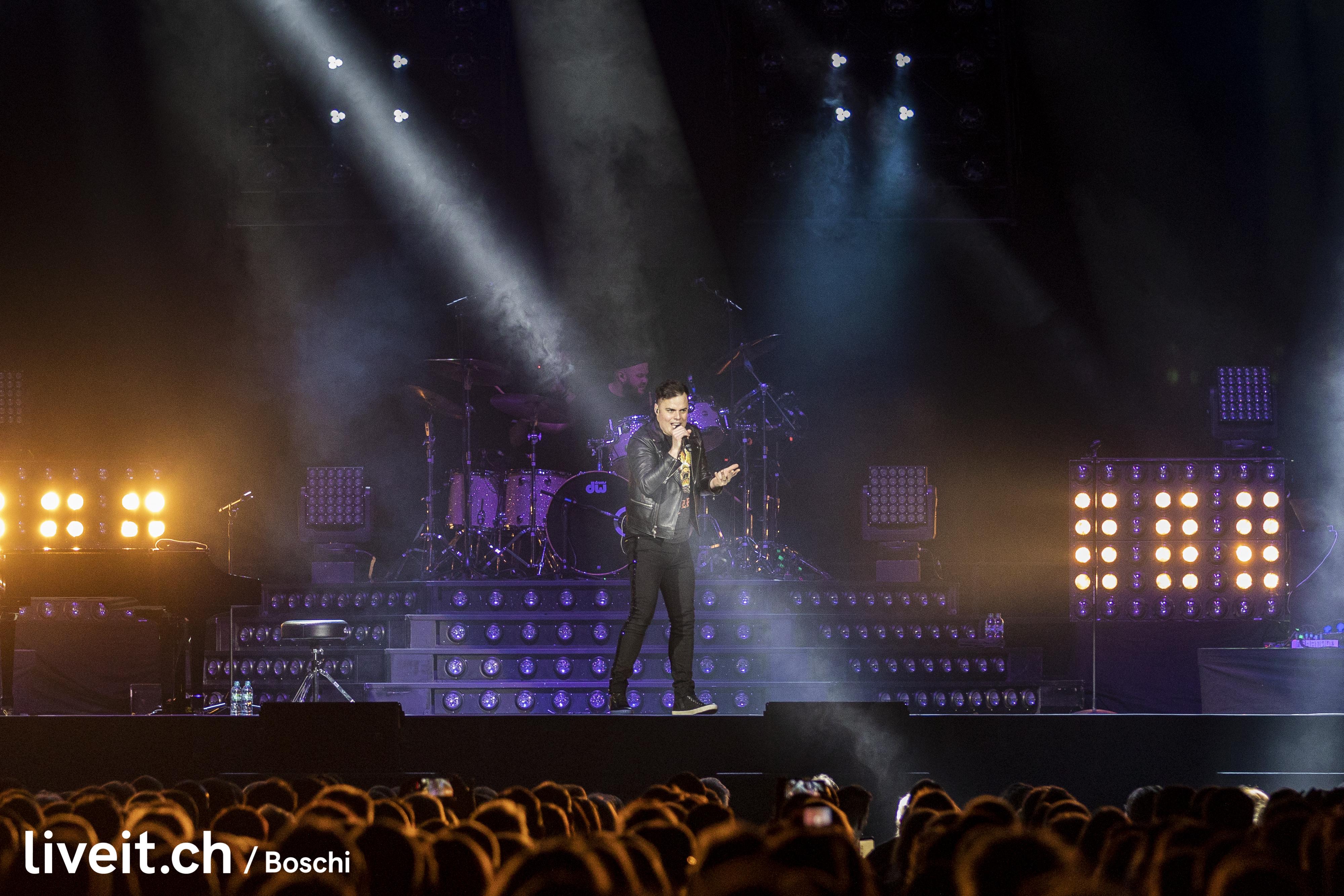 One Vision of Queen&Marc Martel in der Barclaycardarena Hamburg(liveit.ch/boschi)
