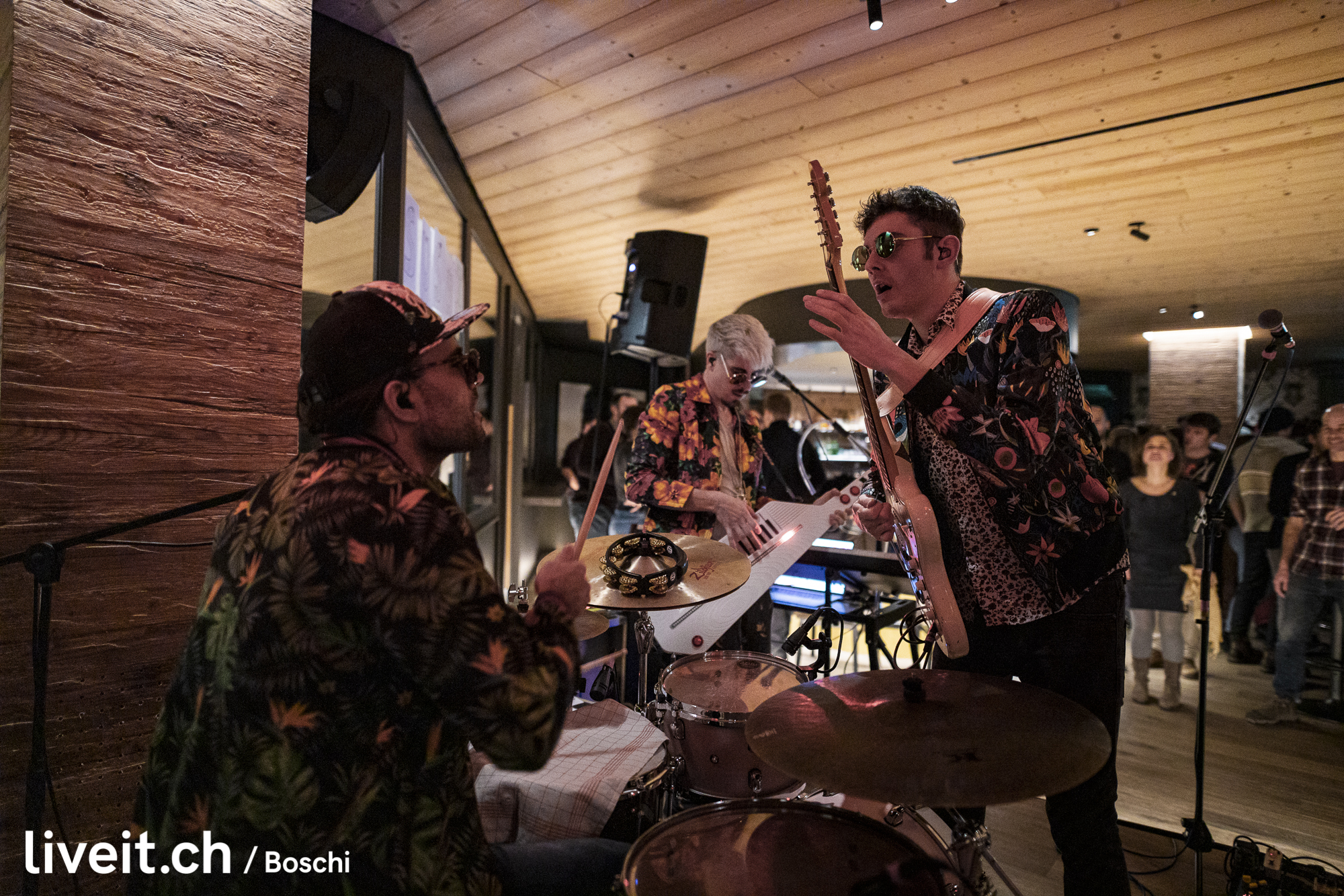 Hot like Sushi  Grizzly's Bar Live Session in Klosters bei Davos (liveit.ch/boschi)